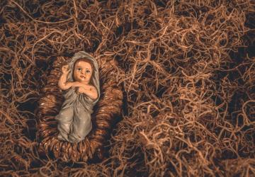 Não somos nós a preparar o presépio para Deus nascer...