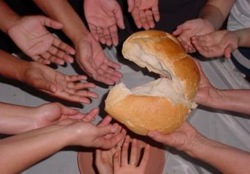 Somos as mãos de Deus